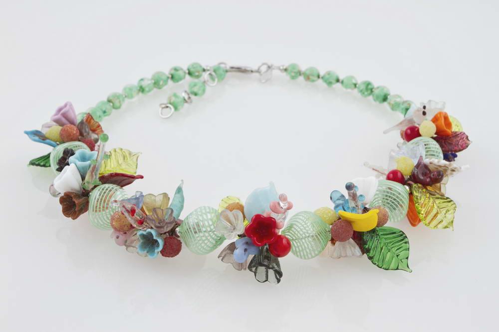 Collana in vetro soffiato fantasia fiori, verde
