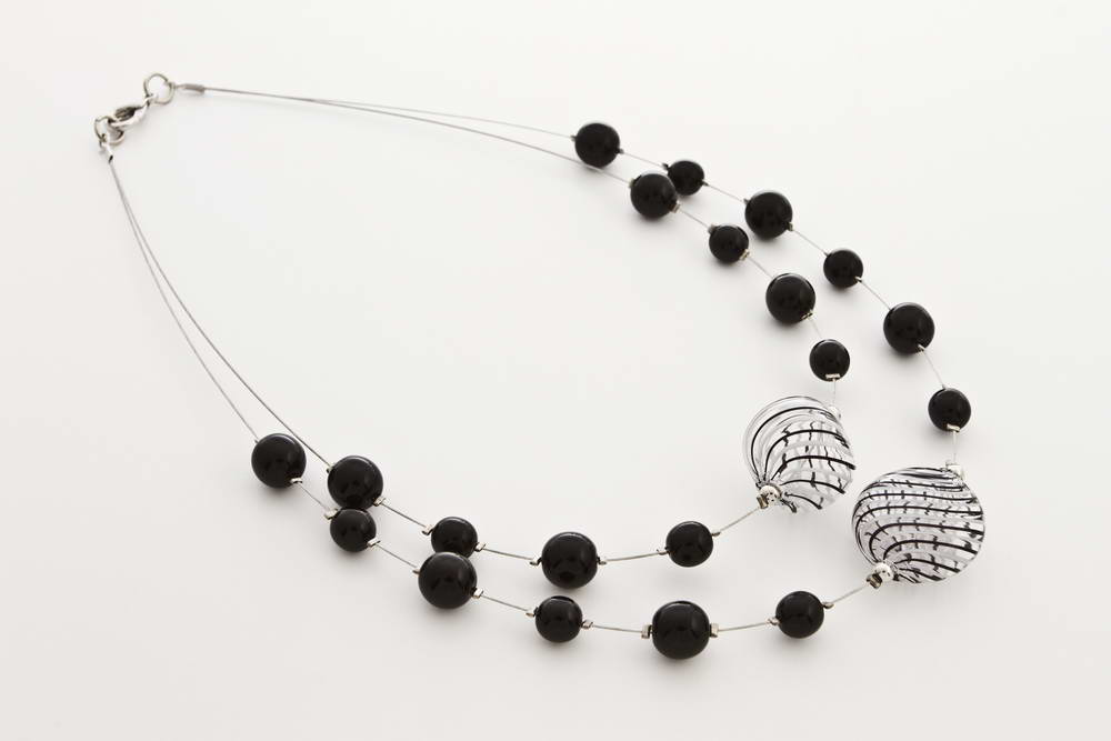 Double blown glass necklace, black and white