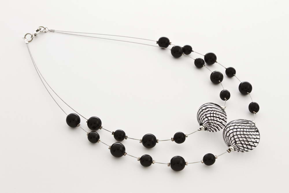 Double blown glass necklace, black