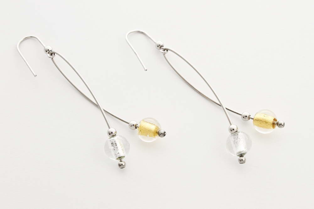 Orecchini in vetro e foglia argento intrecciati, cristallo oro e cristallo argento