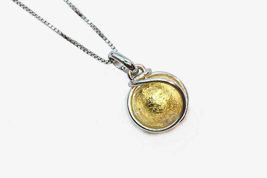 Collana in vetro e foglia oro avvolta, cristallo oro
