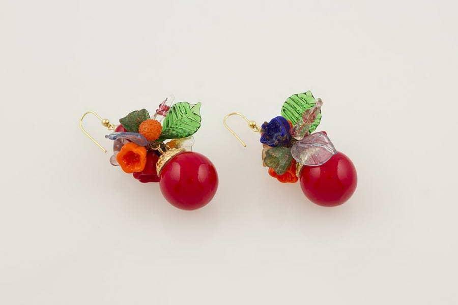 Orecchini in vetro soffiato fantasia fiori, rosso