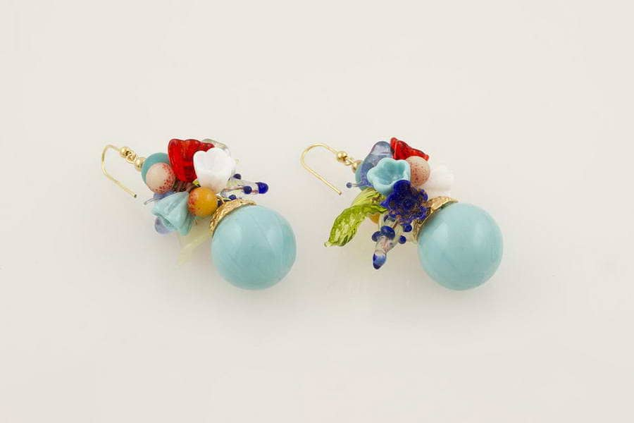 Orecchini in vetro soffiato fantasia fiori, turchese chiaro